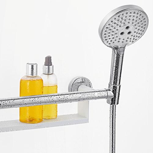 So schön sieht die Einheit von Haltegriff und Duschstange beim Unica Comfort von hansgrohe aus.