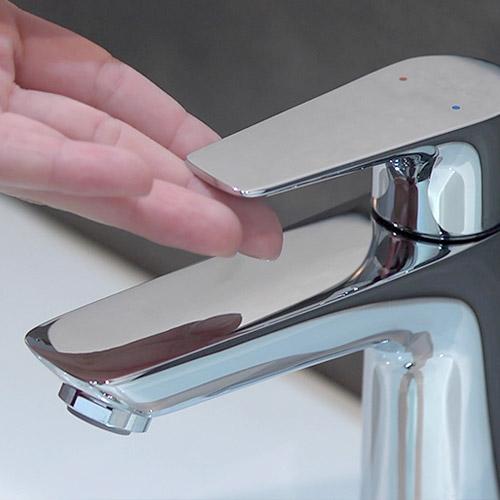 Moderne Badarmatur von hansgrohe mit modernster Technik.